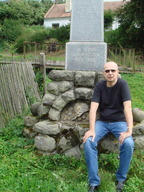 pamätník obetiam z 1. vojny, aj s menom Johann Lexmaul Rattendorf